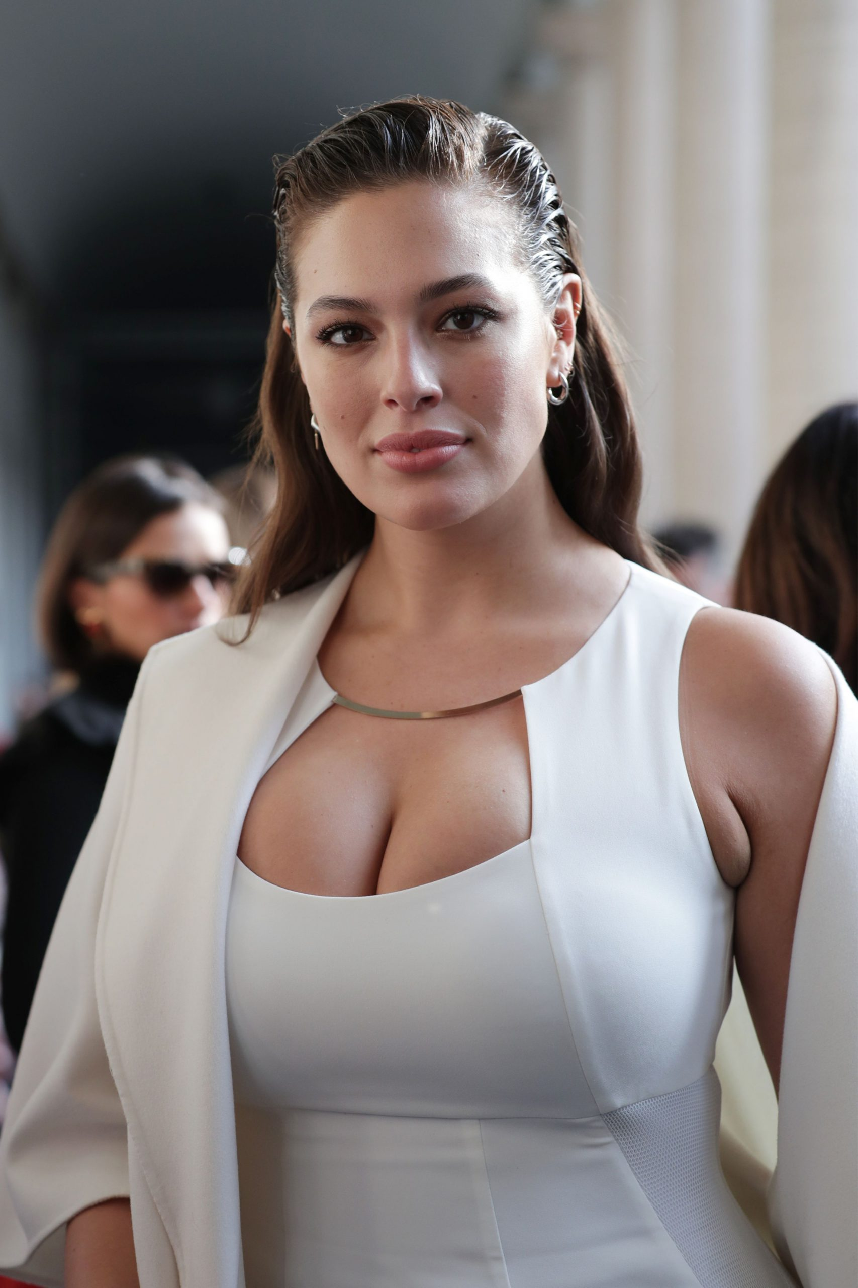 Ashley Graham Nude & Topless DIRTY Videos!