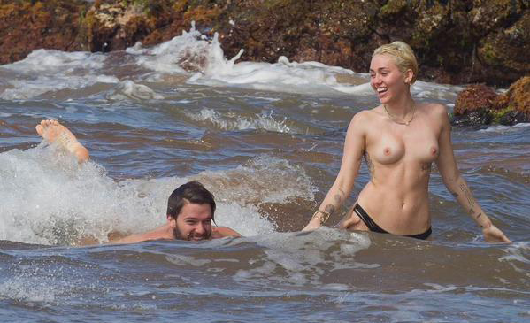 Durchgesickert: Miley Cyrus Nude Fappening Pics!