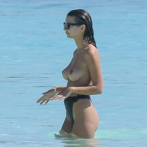 Emily Ratajkowski Topless in Cancun!
