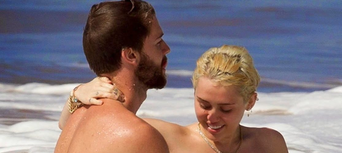 Miley Cyrus Topless am Strand